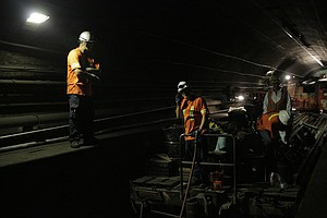 Aging Tunnels Under Hudson River Threaten To Disrupt Tran...
