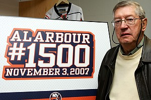 NHL Hall-Of-Fame Coach Al Arbour Dies At Age 82