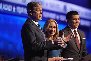 5 Headlines: Media Consensus Is That CNBC Was GOP Debate's 'Biggest Loser'