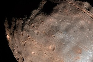 Grooves On Mars Moon Are Signs That It's Slowly Shattering, NASA Says