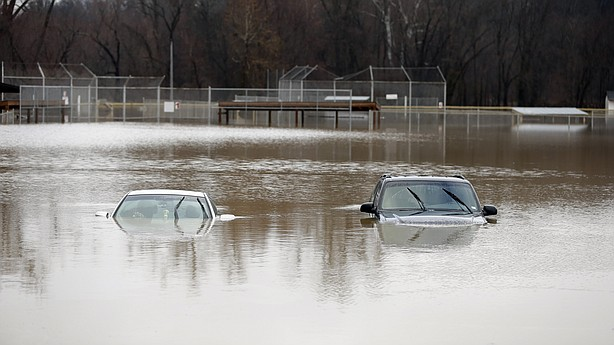 Officials issue flood warning, predict high crest of Mississippi River in Memphis