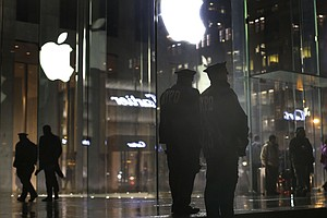 Apple-Justice Department Standoff Over iPhone Access Goes On, In New York