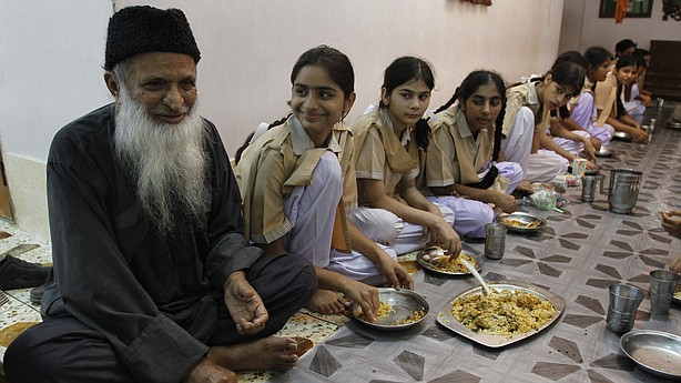 Humble hero of Pakistan Abdul Sattar Edhi passes away