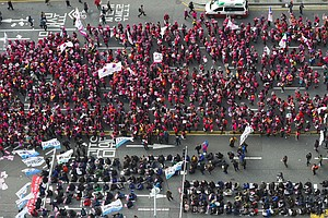 At Least 500,000 Protest In Seoul Demanding Korean President's Resignation