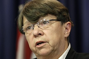 SEC Chief Says She Will Step Down At The End Of Obama's Term