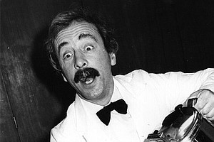 Andrew Sachs, Who Played Beloved Waiter Manuel On 'Fawlty Towers,' Dies