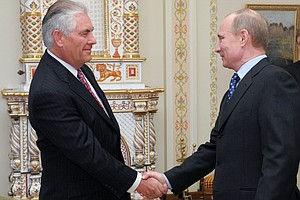 In ExxonMobil's Rex Tillerson, Moscow Sees Trusted, Highly Regarded Figure
