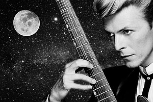 Travel To The Moon With David Bowie (360° Video)