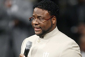 Bishop Eddie Long, Controversial Megachurch Pastor, Dies ...