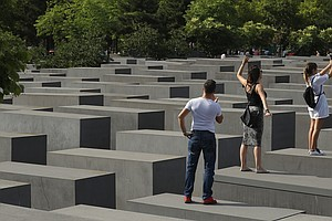 Satirist Takes Berlin Holocaust Memorial Selfie-Takers To Task