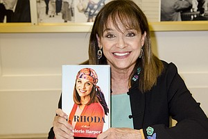 Valerie Harper, Who Played Beloved TV Sidekick Rhoda, Dies At 80