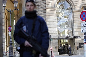 French Soldier Shoots Machete-Wielding Attacker At Louvre
