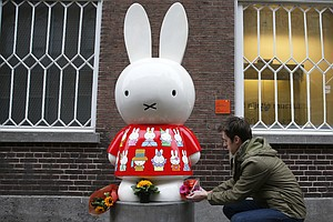 Dick Bruna, Artist And Author Of The Intricately Simple Miffy, Dies At 89