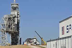 A Liftoff Deferred: SpaceX Mission From NASA's Historic L...