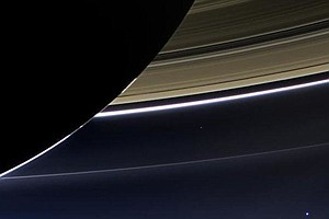 Cassini Spacecraft Re-Establishes Contact After 'Dive' Between Saturn And Its...