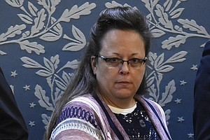 Gay Couple's Lawsuit Against Kentucky Clerk Kim Davis Is ...