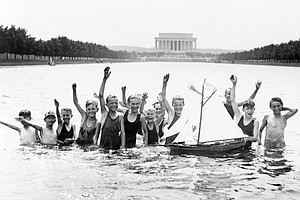 Park Service To Drain Lincoln Memorial Reflecting Pool Af...