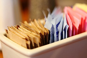 Artificial Sweeteners Don't Help People Lose Weight, Revi...