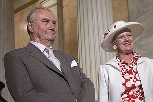 Denmark's Prince Henrik Says He Won't Be Buried With His ...