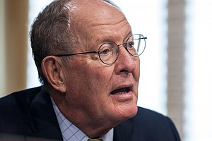 Chastened Lawmakers Aim For Small, Bipartisan Health Care...