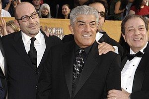 Frank Vincent, Who Portrayed Dapper Mobsters, Dies