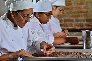 How A Venezuelan Chef Is Teaching Women To Make Chocolate...