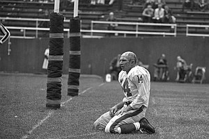 Football Legend Y.A. Tittle Dies At 90
