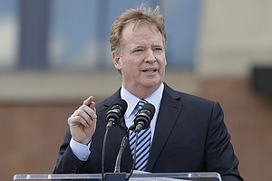 NFL's Roger Goodell Says Players 'Should Stand' For National Anthem