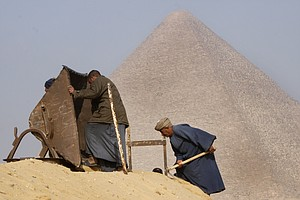 Scientists Say They've Found Hidden Space In Great Pyrami...