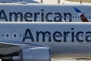 American Airlines And Pilots Work Out Deal To Save Holida...