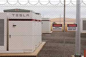 World's Largest Battery Is Turned On In Australia As Tesla Ties Into Power Grid