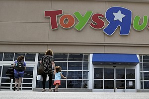 Struggling Toys R Us Plans To Pay Executives Millions In ...