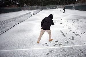 Scientists Warn 'Bomb Cyclone' Brings Strong Winds, Cold Temperatures