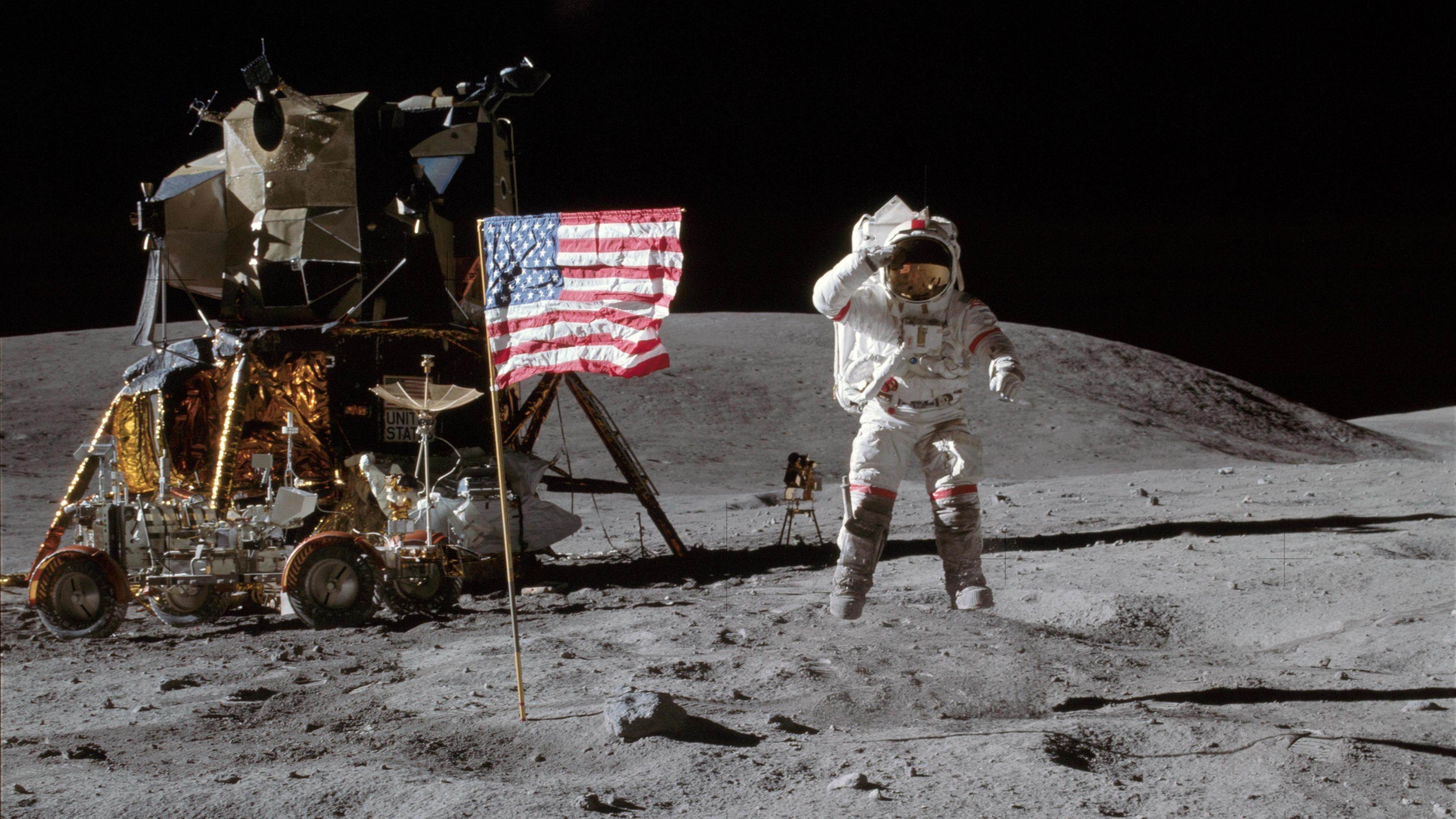 neil armstrong on the moon - 1024×682