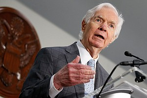 Ailing Mississippi Sen. Cochran To Resign, Setting Up 201...
