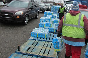 In Flint, Residents Scramble To Get The Last Cases Of State-Provided Bottled ...