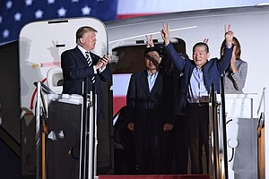 Trump Meets 3 Americans Held In North Korea As They Arriv...