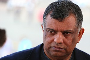 AirAsia CEO Says 'Sorry' For Endorsing Malaysia's Ousted ...