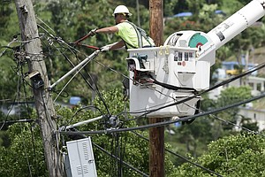 FEMA Denies Contract Extension In Puerto Rico, Power Crew...