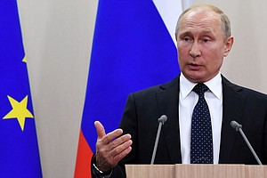 Lawmakers Propose To Extend Putin's Term Limits As President