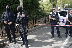 2 Killed In Knife Attack Outside Paris