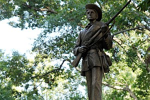 7 Arrested In Protests Over Confederate Statue At UNC Cha...