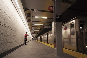 NYC Subway Station Reopens 17 Years After It Was Destroye...