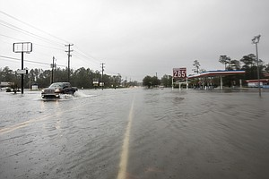 At Least 14 Dead In Carolinas And 'The Worst Flooding Is ...