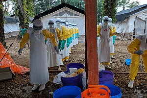 The Hijacked Hearse: Dispatches From The Ebola Outbreak I...