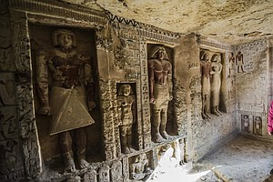After More Than 4,000 Years, Vibrant Egyptian Tomb Sees T...