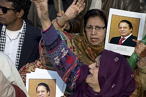 Pakistan's Ex-Prime Minister Sharif Sentenced To 7 Years ...