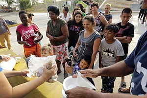 Administration To Release Hundreds Of Migrants To South F...
