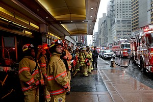Helicopter Crashes On Roof Of New York City Skyscraper