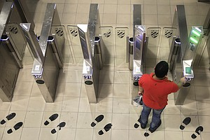 Face Recognition Lets Palestinians Cross Israeli Checkpos...